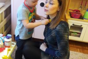 """С мамой весело играть, ее праздник отмечать (группа """"Совята"""")"""