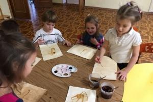 Морской конёк - рисование чаем и кофе (4)